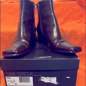 Chocolate mid-calf leather boots. Size 7